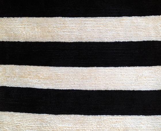 Noir et blanc tapis rug blog by doris leslie blau - Tapis noire et blanc ...